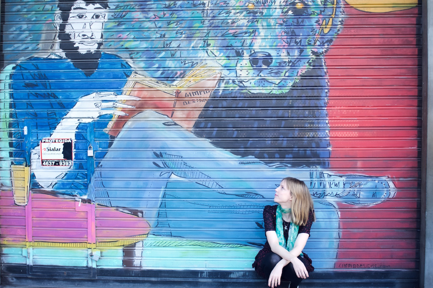 Helen-Coyle-Portrait-with-Book-Bear-Street-Art-by-Beatrice-Murch