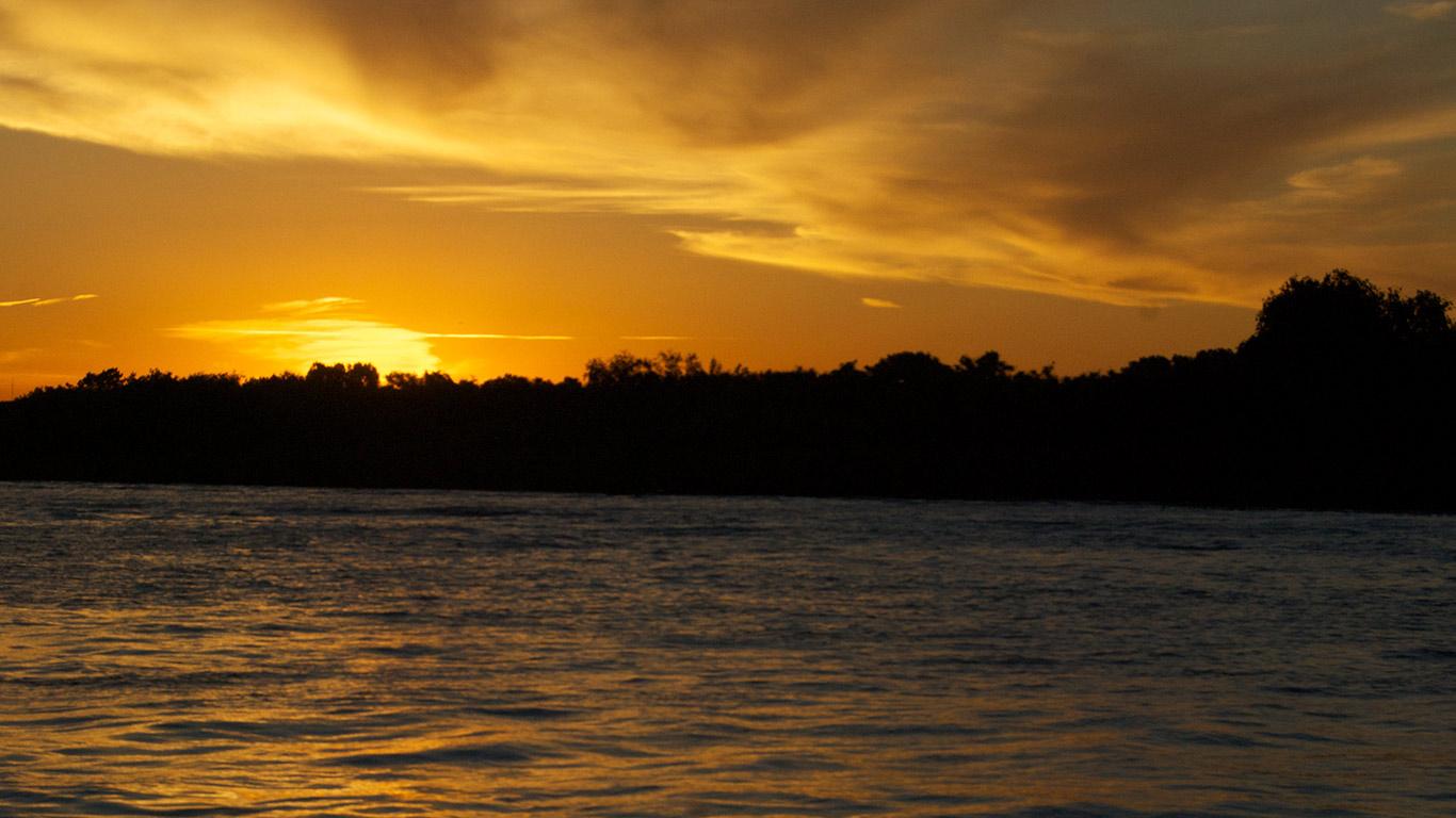 Tigre delta sunset